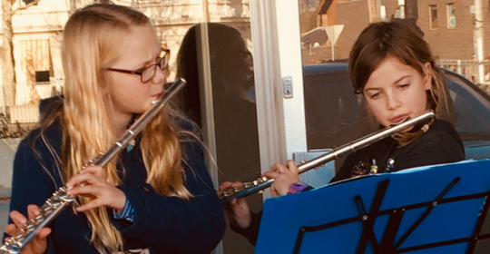 Allie and Grace spread music, heart and hope